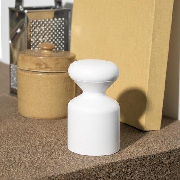 OMMO Salt or Pepper Mill (white)