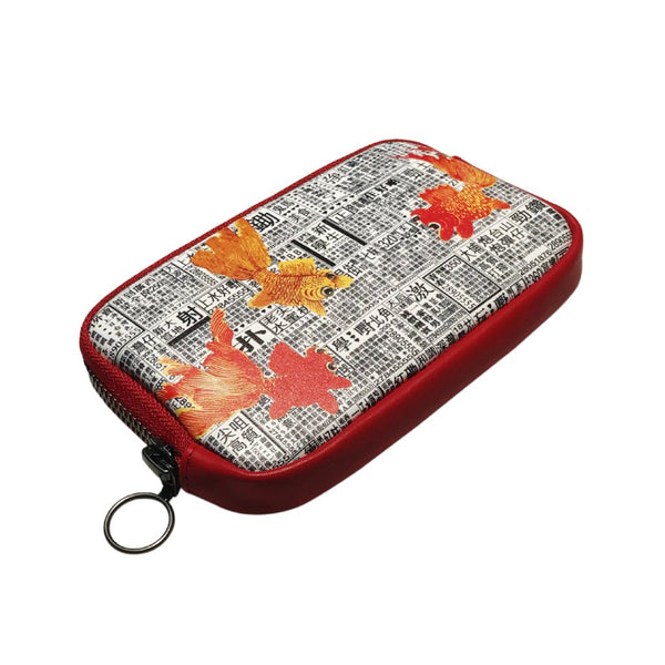 'Goldfishes Newspaper' Leather Essential Case