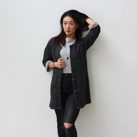 Chinese buttons jacket with rounded collar (black and white)