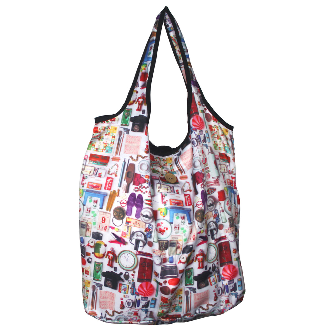 'Paraphernalia' foldable shopping bag with button