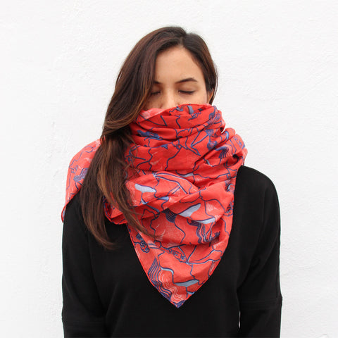 'Lion Rock' silk blend scarf (red)