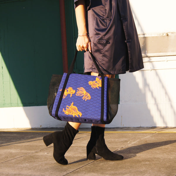 62161a985420  Goldfish Waves  Short Tote Bag – Goods of Desire