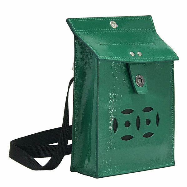 Letterbox Bag in leather (Patent green)
