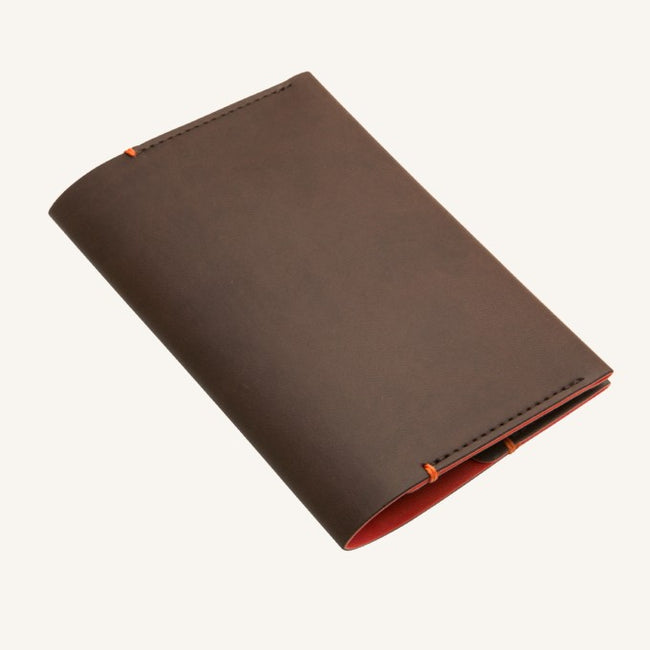 Daycraft Signature passport holder (brown)