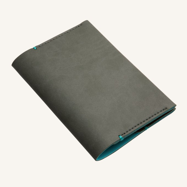 Daycraft Signature passport holder (grey)