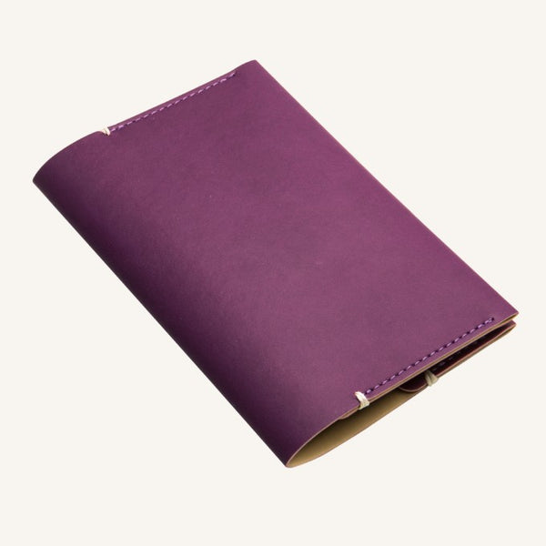 Daycraft Signature passport holder (purple)