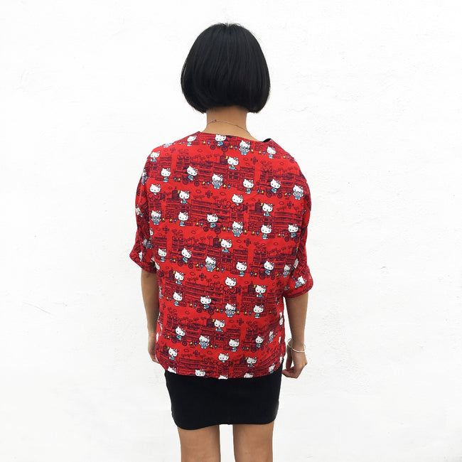 'Hello Kitty X G.O.D. Yamati' V-neck silk top (red)