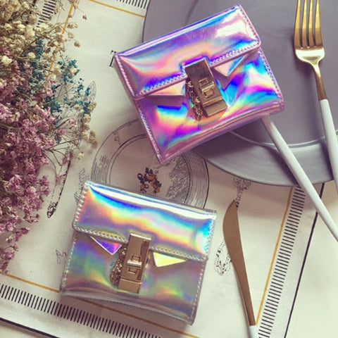Holographic Short Wallets