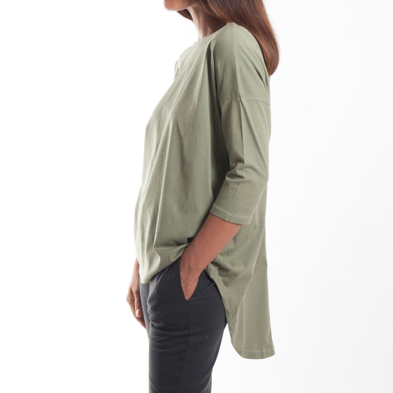 T-Shirt - V Back Relaxed Tail Tee