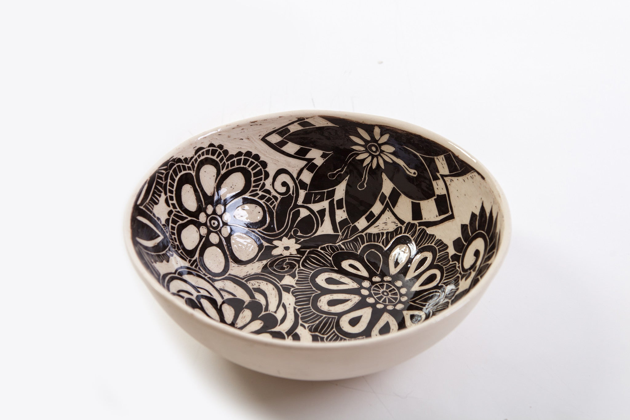 Glazed Black and White Sgraffito Ceramic Bowl with Flower Motif