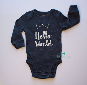 Boy Hello World Bodysuit..Newborn Bodysuits..Cakesmash Outfit..First Birthday Boy..Baby Shower Gift..Homecoming..Newborn Gift..Baby Outfit