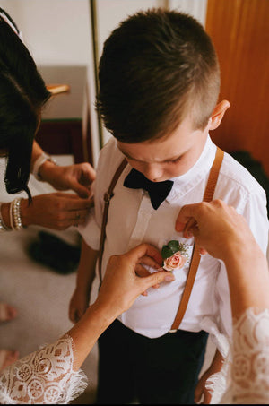 Navy Blush Floral Ring Bearer Outfit, Boys Cognac Leather Suspenders and Navy Floral Bow Tie, Boys Wedding Outfit, Boys Bow Tie, Boys Suits,