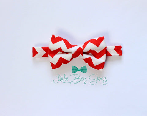 Baby boy bow tie..Red Chevron Bow Tie..Holiday Bow Tie..Wedding Bow Tie..1st Birthday party..ring bearer..Weddings..kids bow tie..Best Man