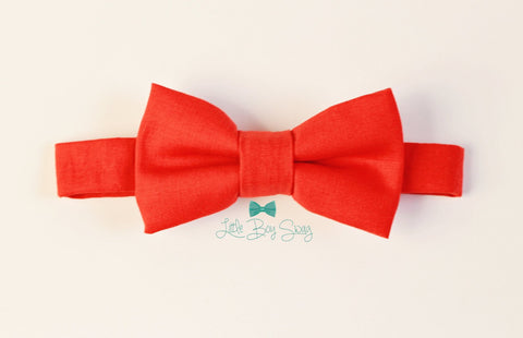 Baby Boy Christmas Bow Tie..Kids Clothing..Ring Bearer Bow Tie..1st Birthday..Ring Bearer..Weddings..Kids Bow Tie..Baby Boy Photo Prop