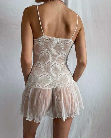 Vintage 80's Delicate Feather Lace Slip