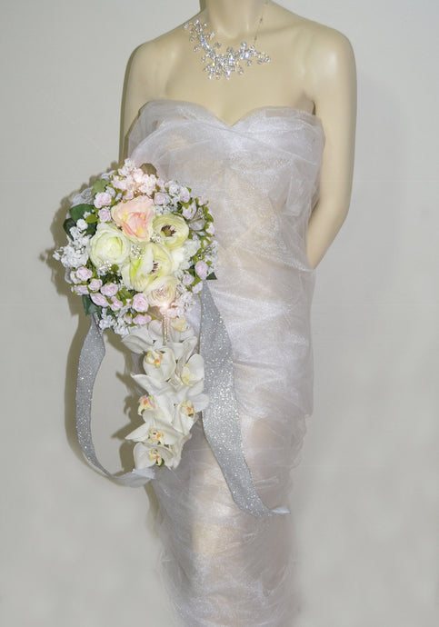 LONG CASCADING Bridal Bouquet 1