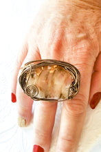 Load image into Gallery viewer, Bronze Color Wire Golden Glass Bead Ring