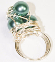 Load image into Gallery viewer, Silver Plated Wire Green Pearl Cluster Ring