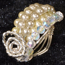 Load image into Gallery viewer, Silver Plated Small White Pearls Glass Beads Ring
