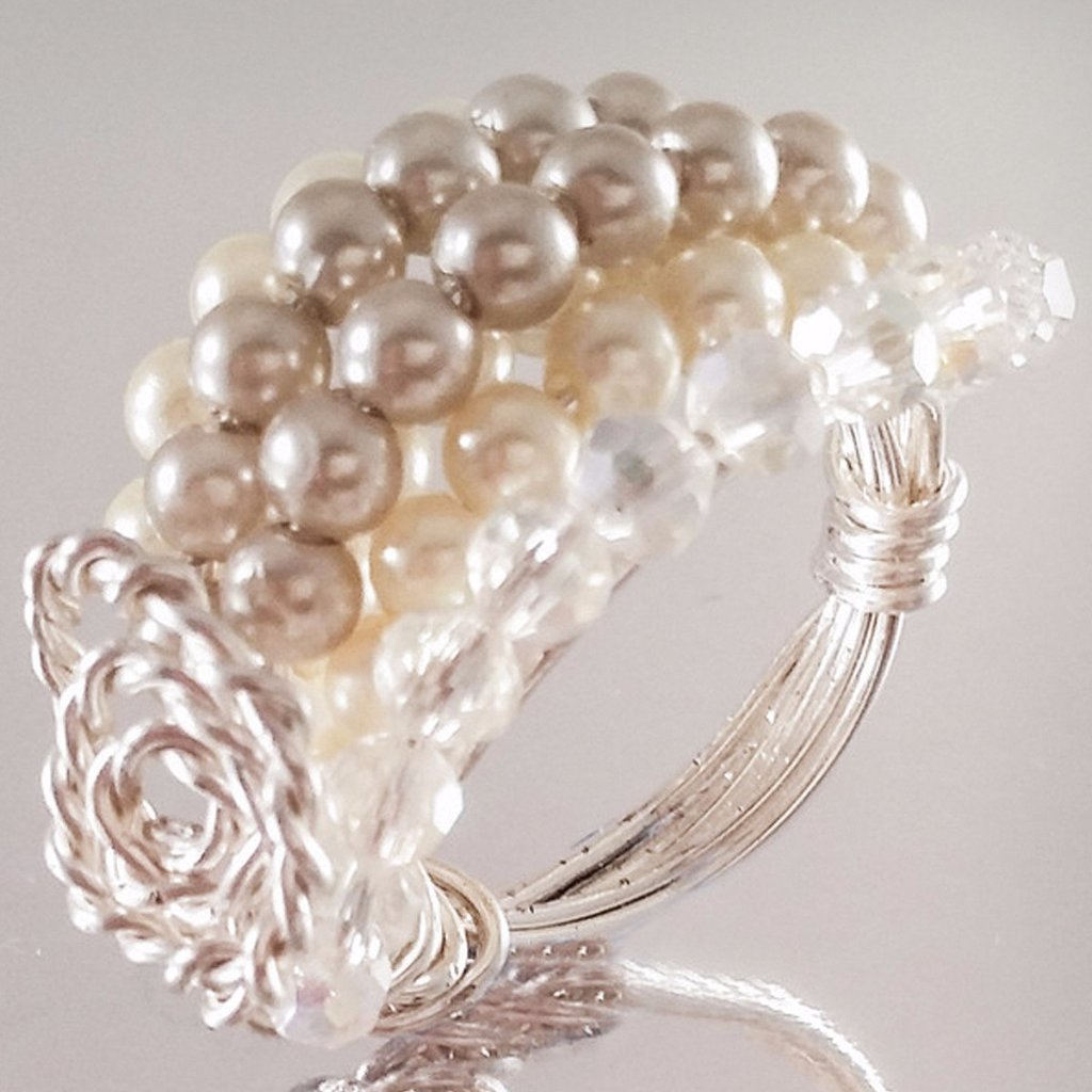 Silver Plated Small White Pearls Glass Beads Ring