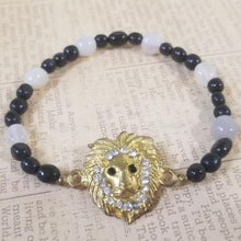 Load image into Gallery viewer, Lion Black Calcite Beads White Agate Bracelet