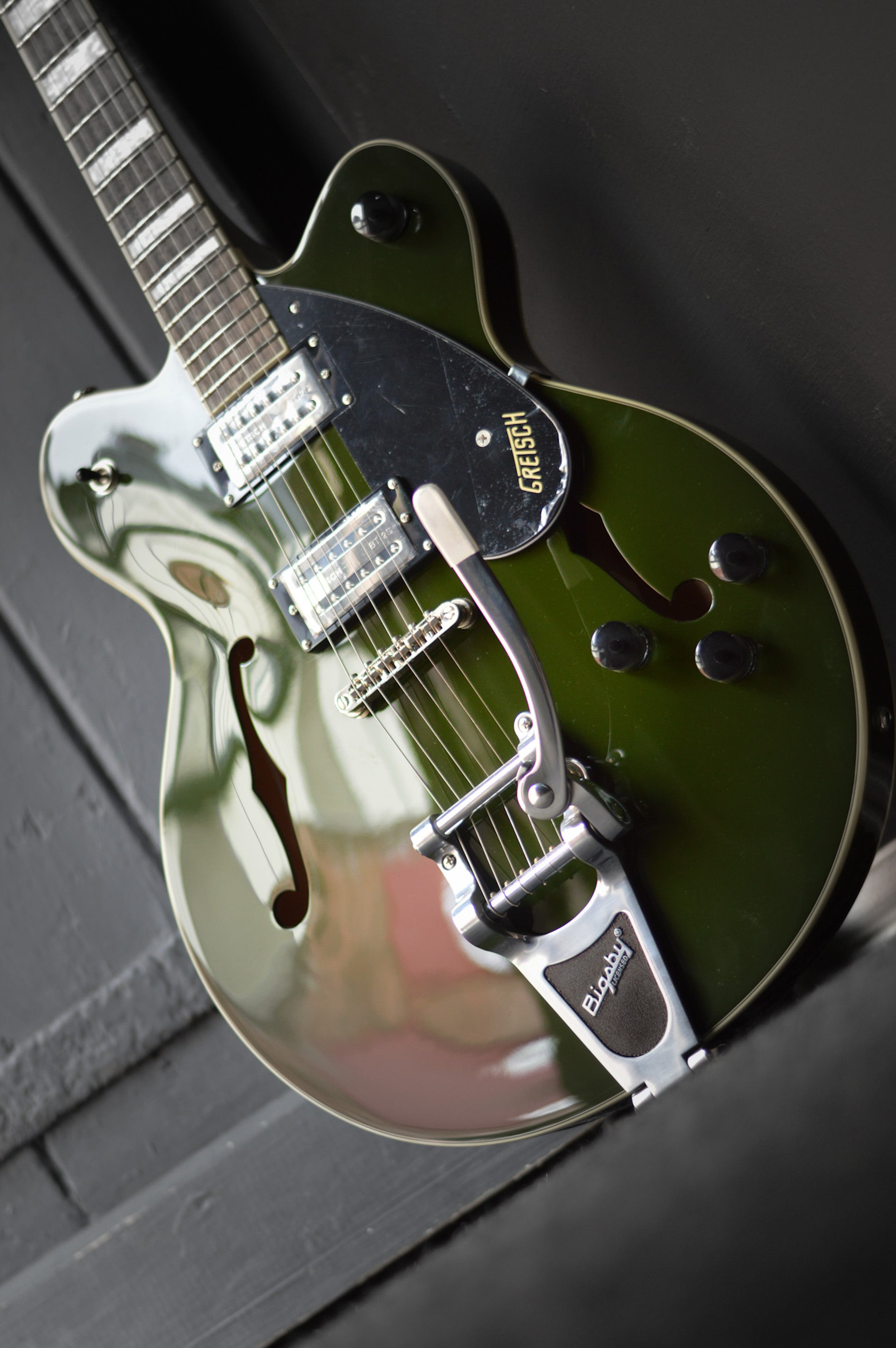 Gretsch G2622T Streamliner with Bigsby in Torino Green