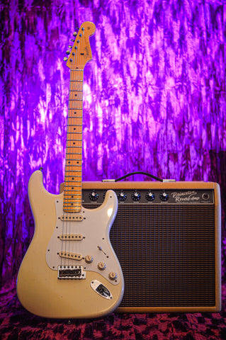Image of CUSTOM SHOP Fender Postmodern Stratocaster Journeyman Relic Aged Vintage White front music bros