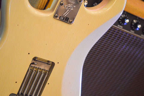 Image of CUSTOM SHOP Fender Postmodern Stratocaster Journeyman Relic Aged Vintage White