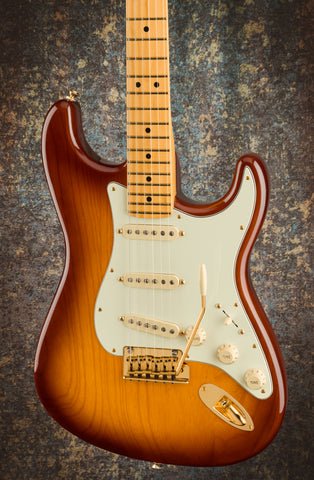 PRE ORDER - FENDER 75TH ANNIVERSARY COMMEMORATIVE STRATOCASTER