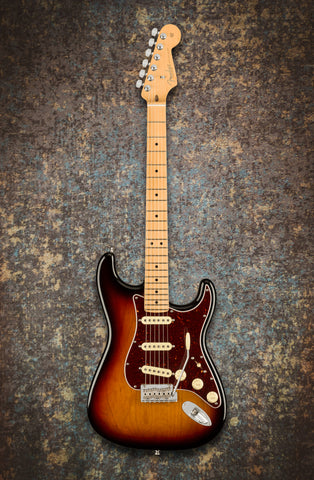 Fender American Professional II Stratocaster 3-Colour Sunburst Maple Neck front