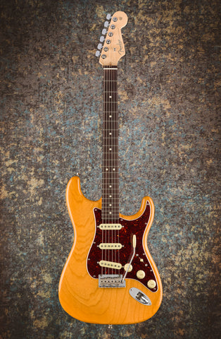 Fender Limited Edition Lightweight Ash American Professional Stratocaster, Rosewood Fingerboard, Aged Natural