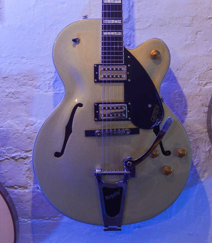 Gretsch G2420T Streamliner with Bigsby Casino Gold