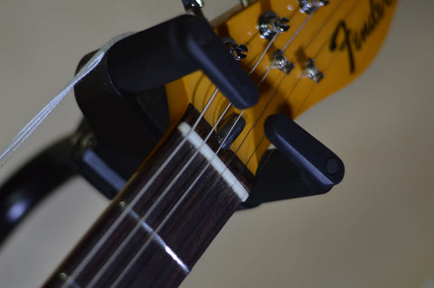Image of Fender American Original 70s Telecaster Custom 3-Color Sunburst headstock