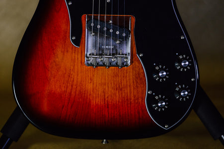 Fender American Original 70s Telecaster Custom 3-Color Sunburst front