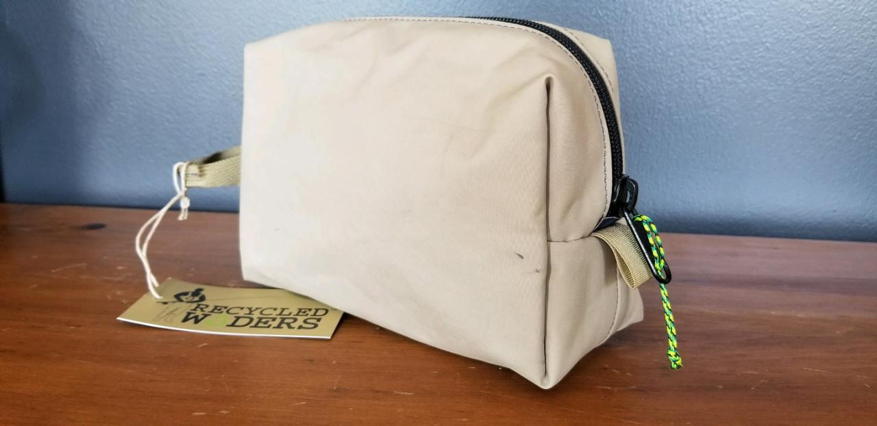 Recycled Waders Dopp Kit