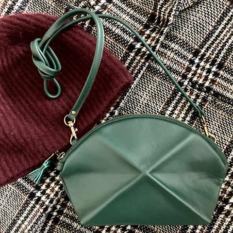 Pyramid cross body bag - Green