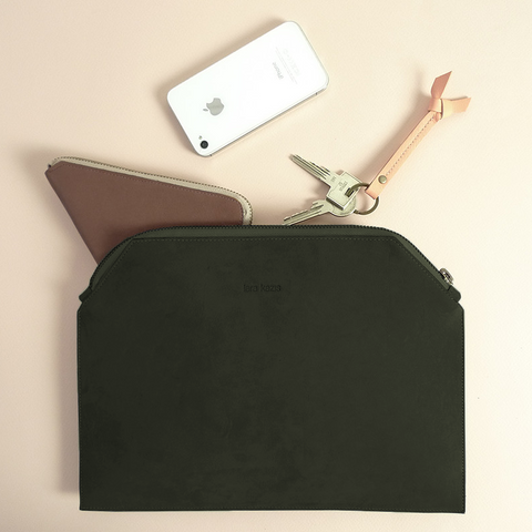 Leather zip pouch - green