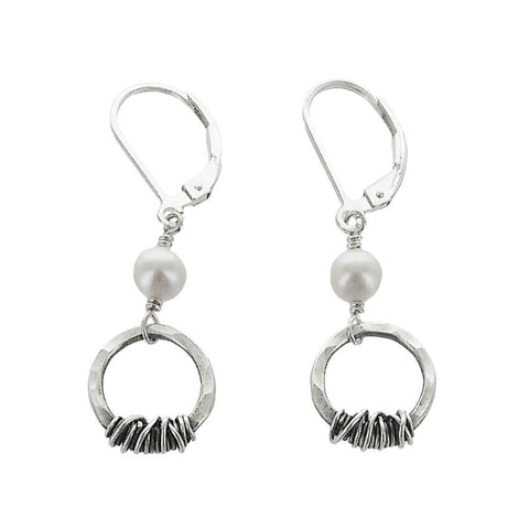 J&I Hammered Circle Wire Wrap Pearl Earrings