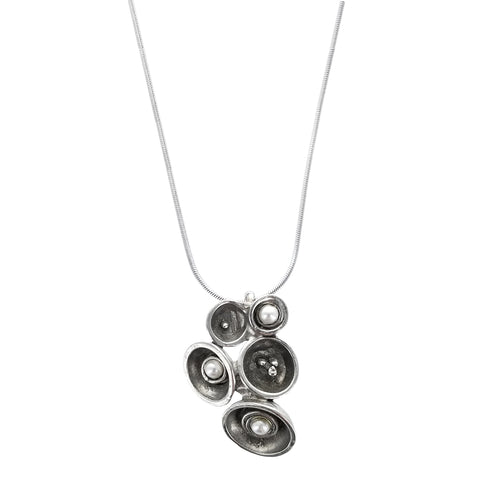 Osmose Pearl Pods Pendant Necklace