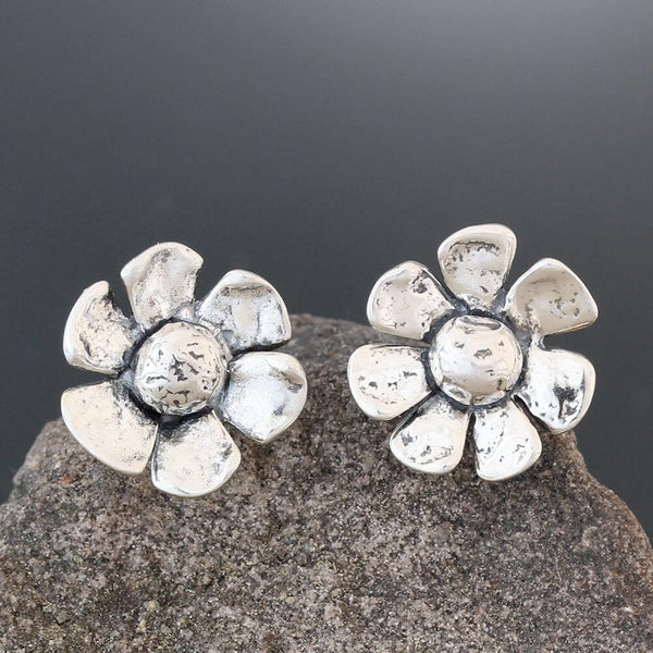 Sherry Tinsman Daisy Post Earrings