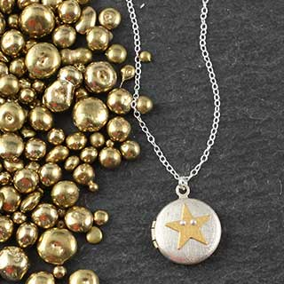 Zina Kao Golden Star Locket Necklace