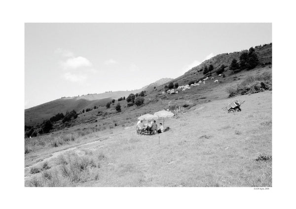 'Les Deux Cols' Photography - Picnic on the mountain