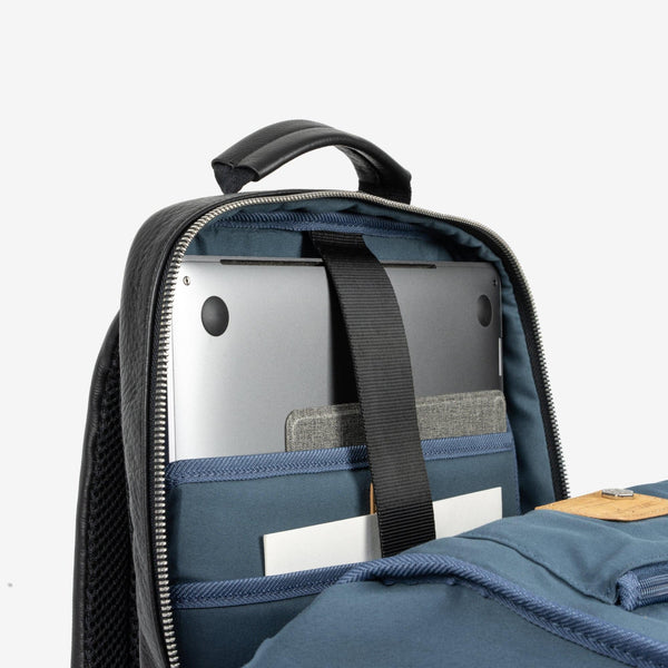 All Mens bags - Compact Backpack 38cm, Matt Black