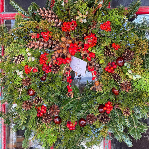 All-Natural Holiday Wreaths