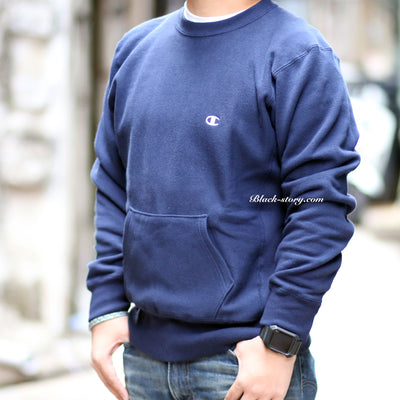 "Champion Small Logo with Pocket Sweater "" Navy "" - Clothing - BlackStory"