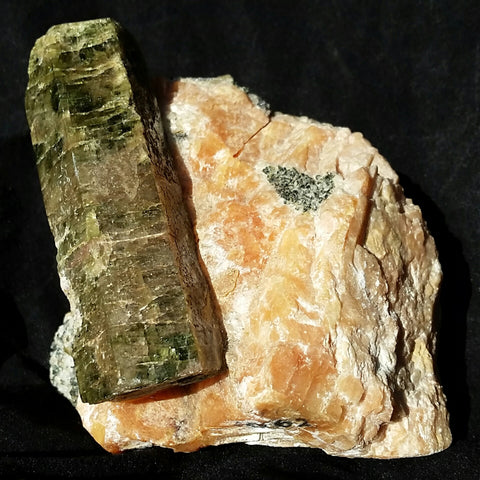 Apatite on Orange Calcite (Otter Lake, Quebec)