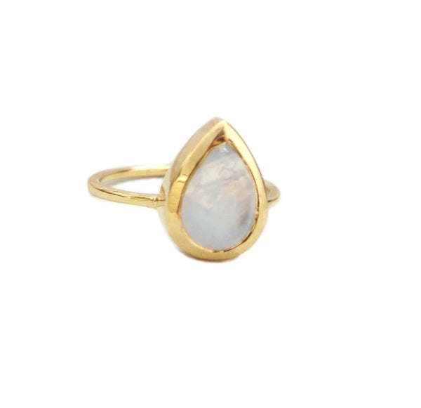 TEARDROP MOONSTONE RING, GOLD