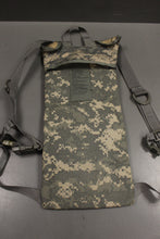 Load image into Gallery viewer, Army Molle II Hydration System Carrier, ACU, 8465-01-524-8362, Grade A