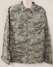 Load image into Gallery viewer, US Military Air Force Woman's Utility Coat, Size: 12R, 8410-01-536-3797, NEW!