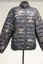 Load image into Gallery viewer, Hawke & Co Men's Hooded Polyfill Jacket, Geo Blue Camo, L, New